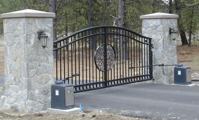 Double Drive Ornamental Iron Gates Gallery 5